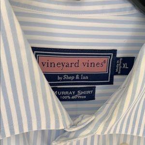 Vineyard Vines Shirts - Men's button down vineyard vines shirt